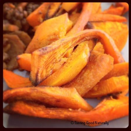 Tasting Good Naturally : Découvrez ma toute première recette de frites de potimarron #vegan. Cliquez ici pour tester cette recette !