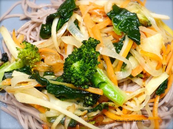 Nouilles Soba et poelee de legumes
