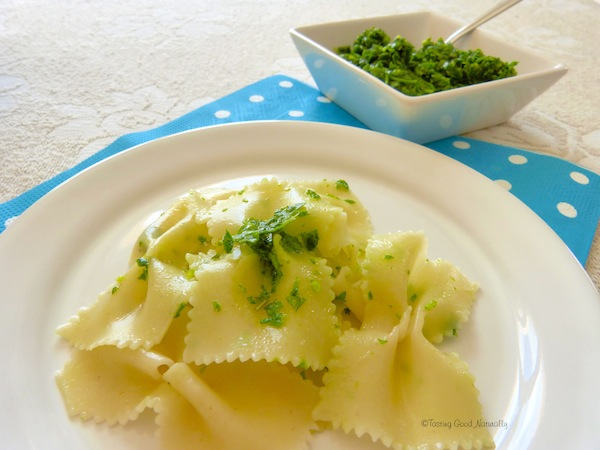 Tasting Good Naturally : Pesto de fanes de radis et persil