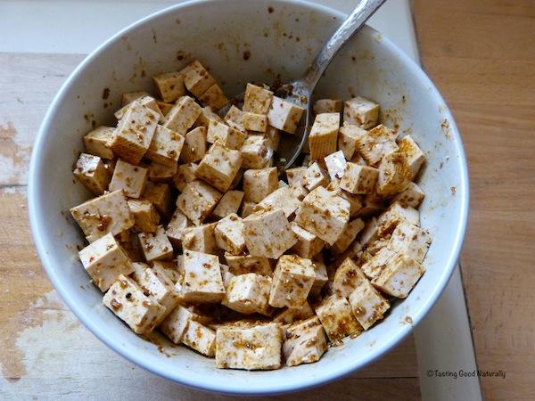 Tofu aux légumes et quinoa marinade