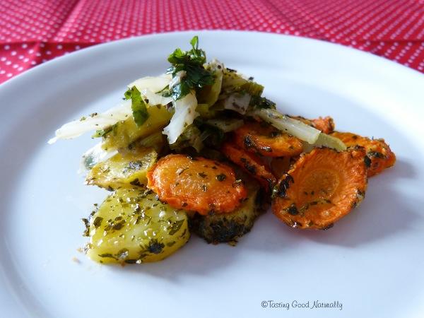 Légumes verts aux carottes et pommes de terres rôties végétalien