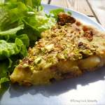 Tarte végétalienne aux asperges, champignons et poireaux