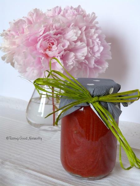 pot gelée confiture fraise abricots pomme