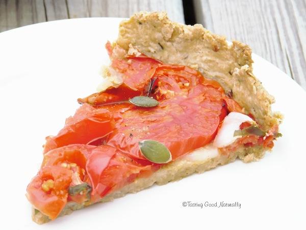 Tasting Good Naturally : C'est la saison des tomates ! Venez vite découvrir ma délicieuse Tarte à la tomate, basilic et moutarde #vegan. C'est par ici !