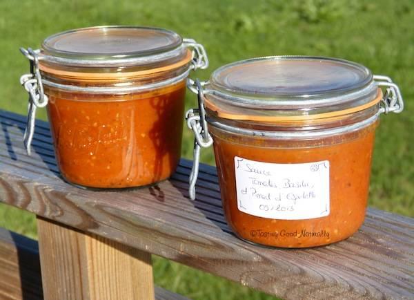 Bocal de Sauce tomate, basilic et piment d'Espelette pour l'hiver #vegan
