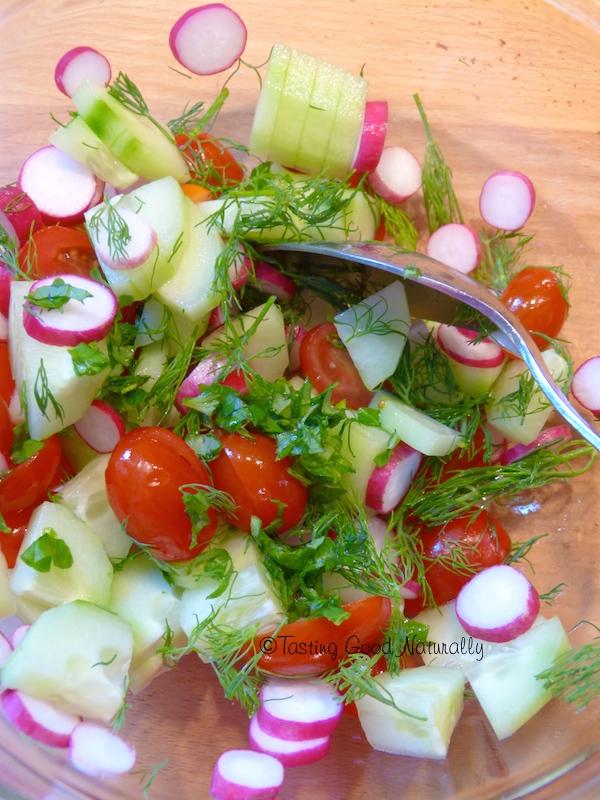 Tasting Good Naturally : Avez-vous envie de goûter cette Salade de pommes de terre à la vinaigrette au Miso et au citron #vegan. Nous l'adorons ici, et vous ?