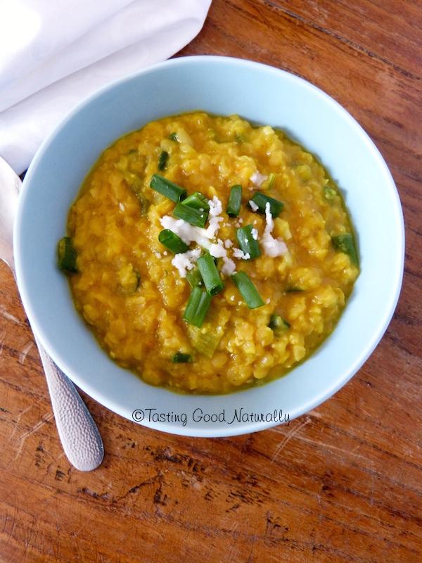 Tasting Good Naturally : Connaissez-vous le Dhal de lentilles aux oignons nouveaux #vegan ? Il amène de la douceur grâce à la noix de coco et de la chaleur grâce aux épices. C'est un de mes plats préférés. Venez le goûter :)