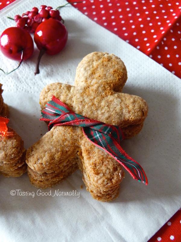 Tasting Good Naturally : La période de Noël approche ! Ces petits Gingerbread Man Cookies #vegan seront parfaits pour déguster au coin du feu avec une bonne tasse de thé. Cliquez pour découvrir la recette !