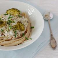 Tasting Good Naturally : Spaghettis aux brocolis et crème d'amandes #vegan #sansgluten