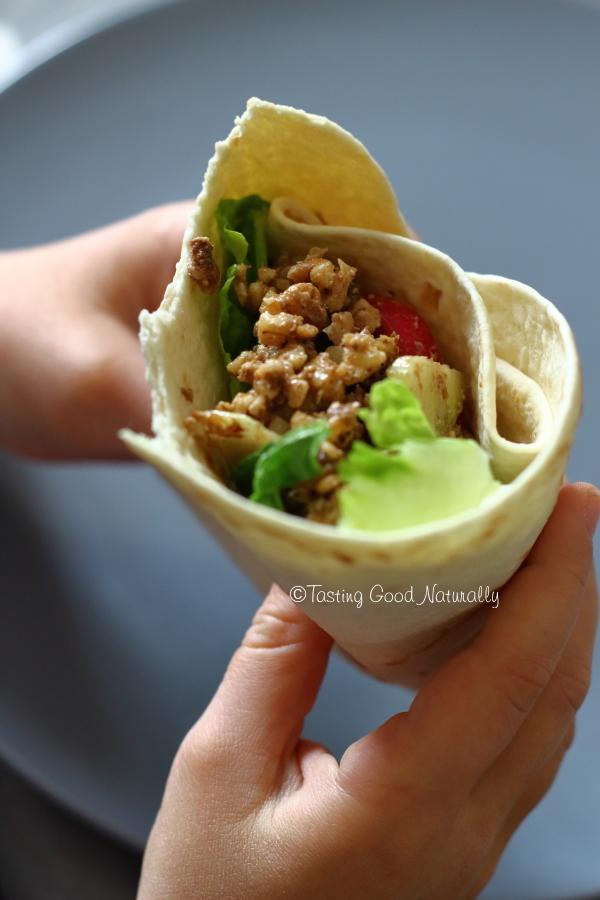 Tasting Good Naturally : Envie de nouveauté ? Essayez ces Tortillas aux Noix et Crudités (wrap) #vegan. Vous aurez du croquant, de la douceur, de la fraicheur, de belles saveurs grâce aux épices... Bref, un régal !