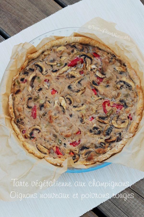 Tasting Good Naturally : Ici, nous adorons les tartes salées ! Ça vous dit de découvrir cette Tarte aux champignons, oignons nouveaux et poivrons rouges (vegan) ? C'est par ici !