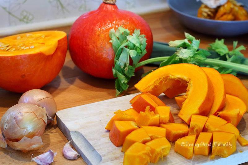 Tasting Good Naturally : Envie de vous réchauffer ? Venez découvrir ce délicieux Velouté de potimarron #vegan en cliquant ici !