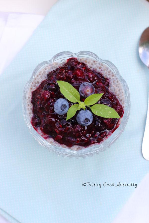 Tasting Good Naturally : Vous aimez le chia pudding ? Il y a un chia pudding aux fruits rouges vegan sur le blog... même qu'il est en deux versions !