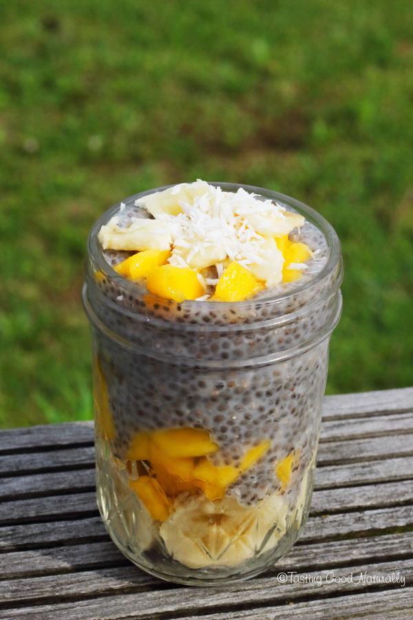 Tasting Good Naturally : Envie de soleil, de vacances ? Venez découvrir la recette du Chia Pudding Exotique Coco Banane et Mangue #vegan ! Un régal ;)