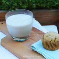 Tasting Good Naturally : Cela vous dit de boire un verre de lait végétal amandes noix de cajou avec un bon muffin au citron pour le goûter ?