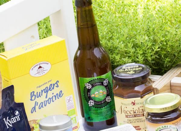Tasting Good Naturally : Aujourd'hui, j'ai testé la box délices «The Green Family». Je vous dis tout sur cette box vegan et je vous donne mon avis sur les différents produits testés.