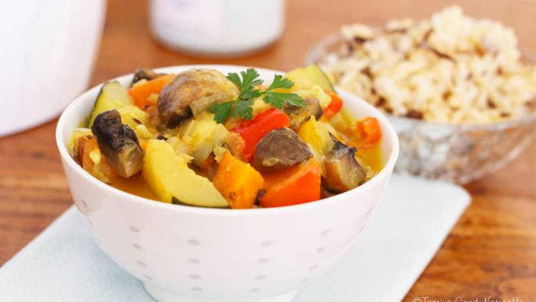 Curry de légumes d'été et champignons Vegan