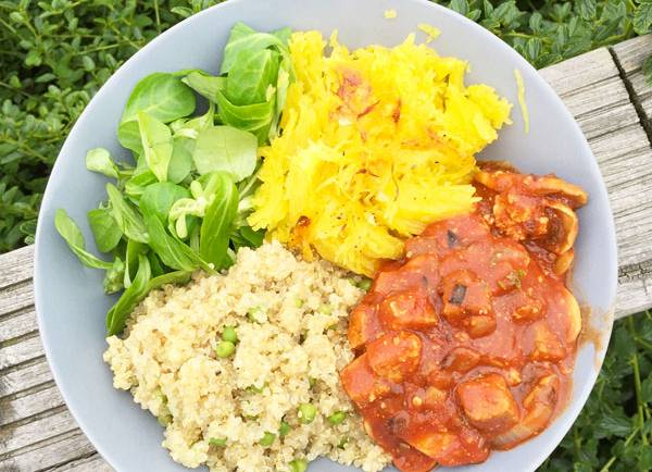 Tasting Good Naturally : Vous ne savez pas quoi faire ? Je vous donne, aujourd'hui, une idée de repas végane toute simple et colorée qui est rapide à préparer ou à emporter.