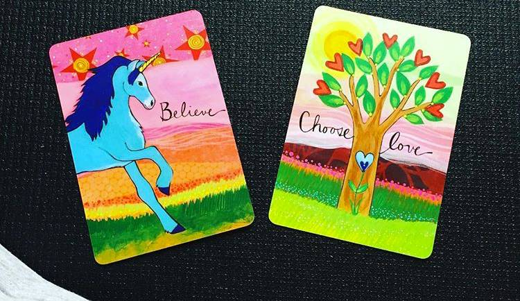 Hélène TURNER - Naturopathe : Aujourd'hui, j'avais envie de vous expliquer pourquoi j'utilise cartes et oracles comme outil de développement personnel. Ici, il n'y a rien de perché (je vous assure) ou de mystique.