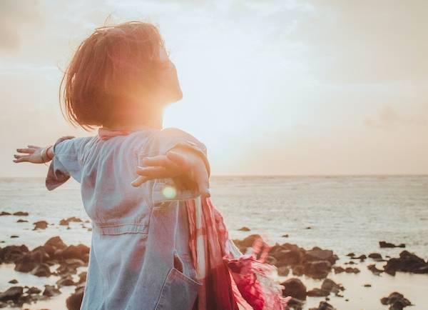 Hélène TURNER - Naturopathie Reiki : Et si on parlait de gratitude ? Qu'est ce que c'est ? Comment être dans la gratitude ?